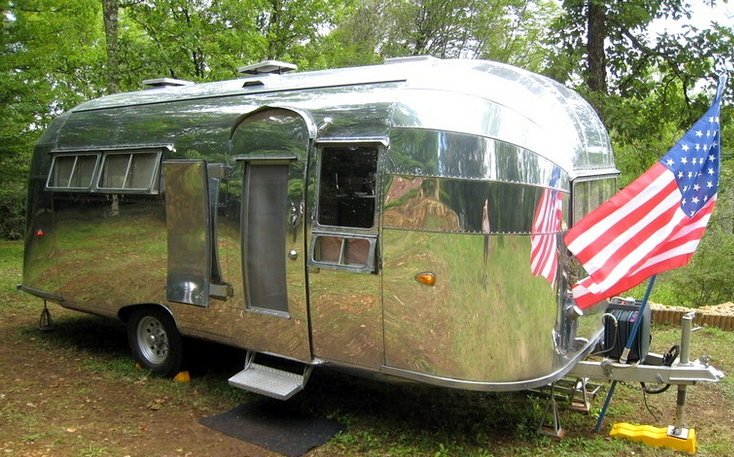 Dordogne Magazine-kamperen-Airstream Vintage Vacations001