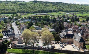 Dordogne Périgord: Lascaux 4 ligt tegen de heuvel even ten zuidoosten van Montignac.