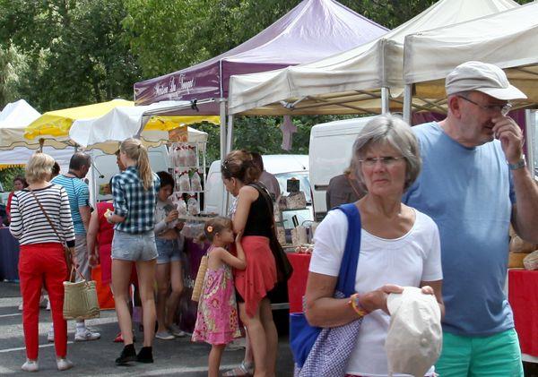 Dordogne Périgord - markten, marchés, markets, market places Les Eyzies