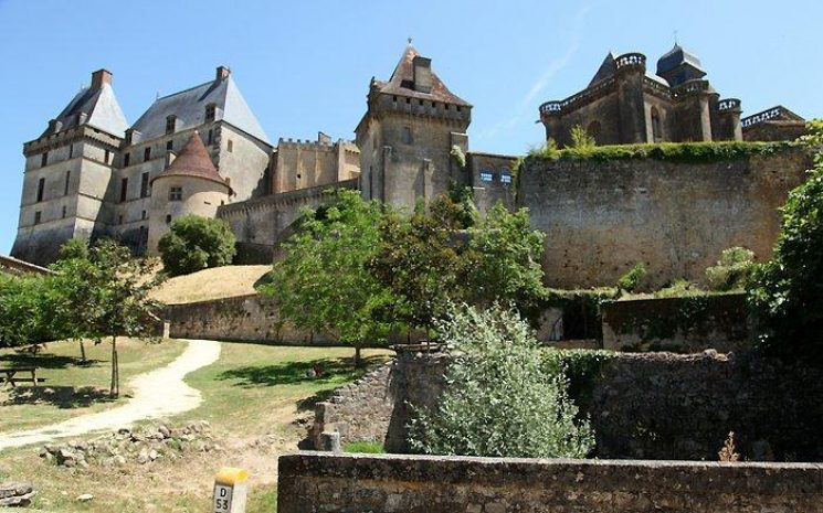 Château de Biron waakt over zuidelijke Dordogne