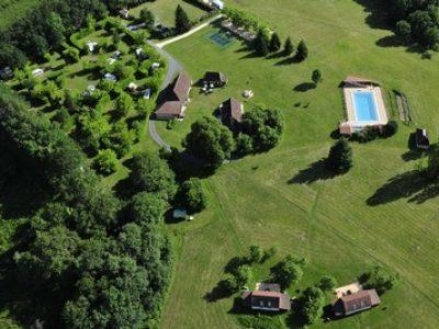 Dordogne-Périgord: naturistencampings, naturisme, naaktrecreatie-campings: Laulurie en Périgord .
