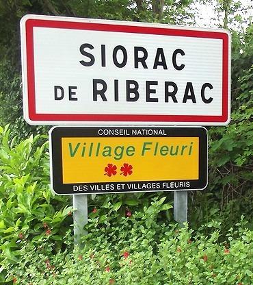 Dordogne-Périgord - villes et villages fleuris-fleurie: Siorac de Riberac.