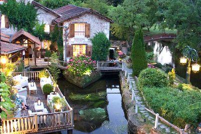 Dordogne Perigord - restaurants met Michelinster: Le-Moulin-du-Roc in Champagnac-de-Belair