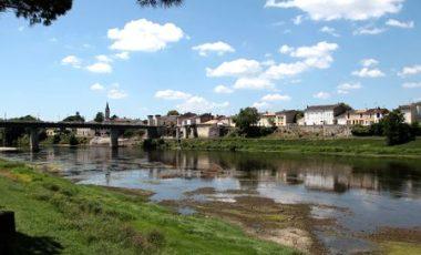 Dordogne-Perigord: street art in bastide Sainte-Foy-la-Grande.