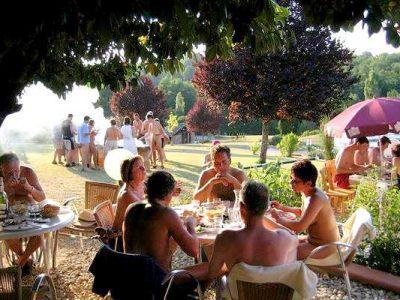 Dordogne-Périgord: naturistencampings, naturisme, naaktrecreatie-campings: Domaine Laborde.