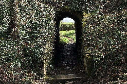 Dordogne Périgord: wandelroute-walking route-marche Beaumont du Périgord