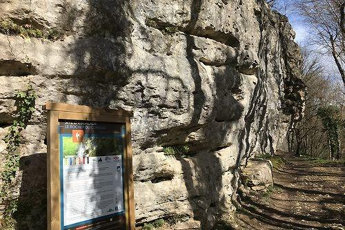 Dordogne Périgord: wandelroute-walking route-marche Beaumont du Périgord - Le Rocher du Corbeau