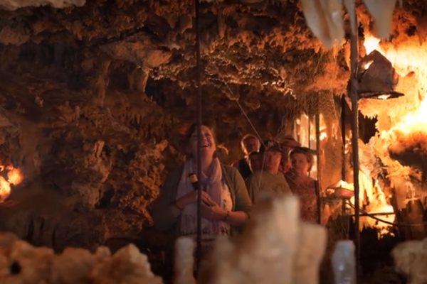 Dordogne Périgord: La Grotte du Grand Rox is een prachtige druipsteengrot bij les Eyzies de Tayac aan de Vézère.